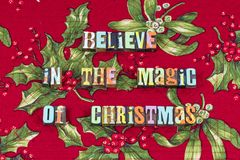 Acredite a tipografia mágica da paz do amor do Natal fotografia de stock