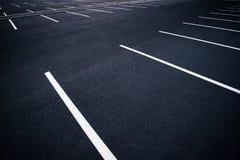 Acres de parkings vides image stock