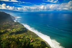 ACRO de Sao Jorge und schöner Ozean Stockfotos