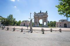ACRO-della Schritt, Bogen des Friedens, nahe Sempione-Park im Stadtzentrum von Mailand, Italien Lizenzfreies Stockbild
