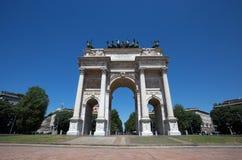 ACRO-della Schritt, Bogen des Friedens, nahe Sempione-Park im Stadtzentrum von Mailand, Italien Lizenzfreie Stockfotografie