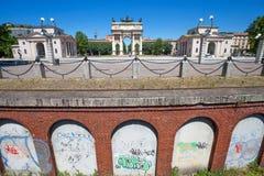 ACRO-della Schritt, Bogen des Friedens, nahe Sempione-Park im Stadtzentrum von Mailand, Italien Stockbild