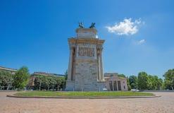 ACRO-della Schritt, Bogen des Friedens, Seitenansicht, nahe Sempione-Park im Stadtzentrum von Mailand, Italien Lizenzfreie Stockbilder
