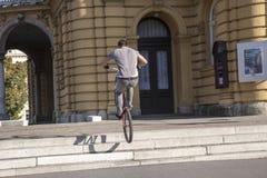 Acroabat de BMX Foto de archivo