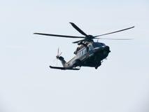 Acrobacia em um helicóptero Tirrenia, Pisa, Itália, o 11 de setembro, Fotografia de Stock Royalty Free