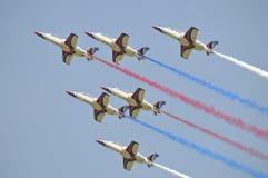 Acrobacias aéreas de la caza a reacción de ROCAF Foto de archivo libre de regalías