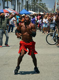 Acrobat & Dancer on Venice Beach Entertains the weekend Visitors Stock Images