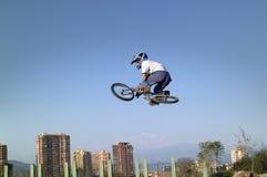 Acrobata della bicicletta di BMX Immagini Stock Libere da Diritti