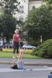 Acrobates de rue photo stock