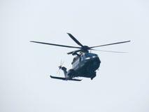 Acrobatica in un elicottero Tirrenia, Pisa, Italia, l'11 settembre, Fotografia Stock