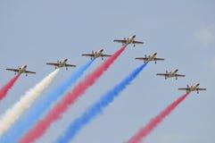 Acrobaties aériennes de chasseur à réaction de ROCAF Photos libres de droits