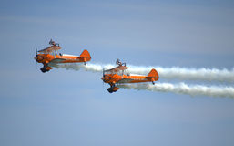Acrobaties aériennes spectaculaires d'antenne de Wingwalkers Photo stock