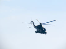 Acrobaties dans un hélicoptère Tirrenia, Pise, Italie, le 11 septembre, photographie stock libre de droits