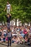 Acrobaties de rue Images stock