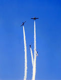 Acrobatische vlucht royalty-vrije stock afbeeldingen