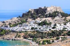 Acropoli nella città antica Lindos Immagini Stock