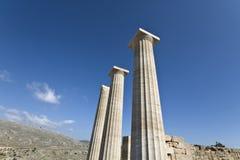 Acropolis antigo de Lindos no console do Rodes Fotografia de Stock Royalty Free