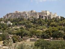 Acropolis från den Athens marknadsplatsen Fotografering för Bildbyråer