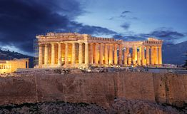 Acropolis hill - Parthenon temple in Athens at night, Greece stock photography