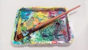 Acryl- Farbe-pallette Malereibürste Lizenzfreies Stockfoto