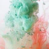 Acrylfarben im Wasser Lizenzfreies Stockfoto