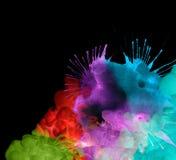Acrylfarben im Wasser. Abstrakter Hintergrund. Stockfotografie