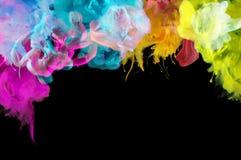 Acrylfarben im Wasser entziehen Sie Hintergrund Lizenzfreie Stockbilder