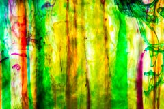 Acrylfarben und Tinte im Wasser Stockfotografie
