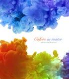 Acrylfarben und Tinte im Wasser Entziehen Sie Feldhintergrund Lizenzfreie Stockfotografie