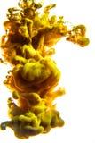 Acrylfarben und Tinte im Wasser Entziehen Sie Feldhintergrund Auf Weiß Lizenzfreie Stockbilder