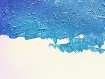 Acrylmalerei des blauen Aquarells mit Bürste an Stockbilder