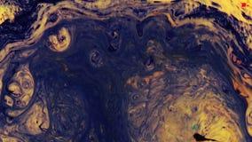 Acryltextuur met zwarte, gele marmeringsachtergrond stock video