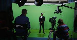 Acteur exécutant le caractère fâché banque de vidéos