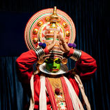 Acteur indien exécutant le drame de danse de Kathakali de tradititional Photo libre de droits