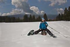 Actieve dame op de winter openlucht Royalty-vrije Stock Foto's