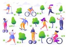Actieve mensen in het park De zomer openlucht Man en vrouwenkarakters die, berijdende fiets, het met een skateboard rijden, rolsc vector illustratie