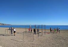 Actieve mensen op het strand van Aguadulce spanje Royalty-vrije Stock Afbeeldingen