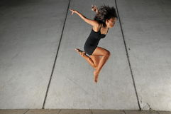 action asian beautiful dance girl performing Στοκ εικόνα με δικαίωμα ελεύθερης χρήσης