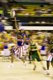 Action de basket-ball de Globetrotters de Harlem (brouillée) images stock