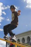 Action de patinage intégrée agressive (de balustrade) Image stock