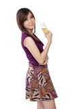 Actitud asiática de moda de la muchacha, en blanco Imágenes de archivo libres de regalías