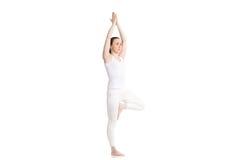 Actitud de Vriksasana de la yoga Fotografía de archivo libre de regalías