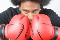 Actitud del boxeador del afroamericano Fotografía de archivo