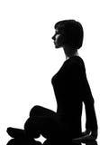 Actitud del sukhasana de la yoga de la mujer de Sukhasana Fotos de archivo libres de regalías