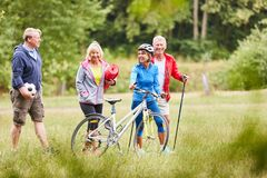 Free Active Seniors On The Way To Sports Stock Images - 153864154