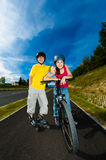 Active young people - rollerblading, skateboarding Stock Photography