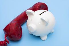 Actividades bancarias del teléfono Imágenes de archivo libres de regalías