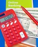 Actividades bancarias en línea. Fotografía de archivo libre de regalías