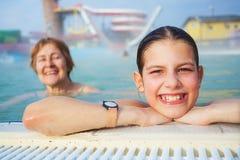 Actividades en la piscina Fotos de archivo