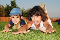 Actividades verdes hermosas del lugar y de los niños Imagen de archivo libre de regalías